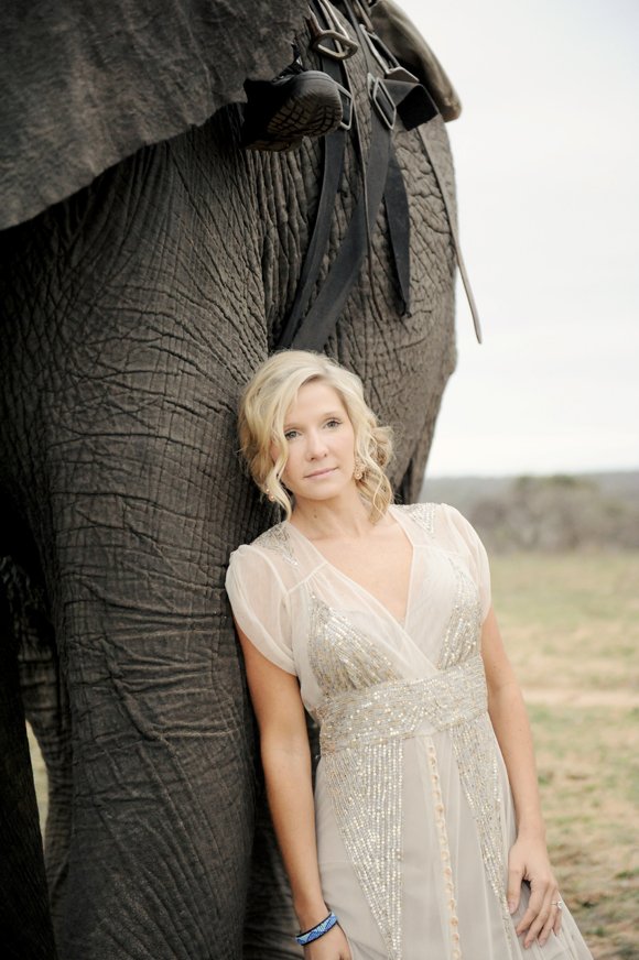 South-Africa-intimate-wedding-elephants-SarahMariePhotos-34