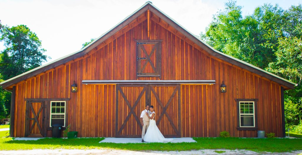 Urban Glam Rustic Styled Shoot   Bee Photography 35